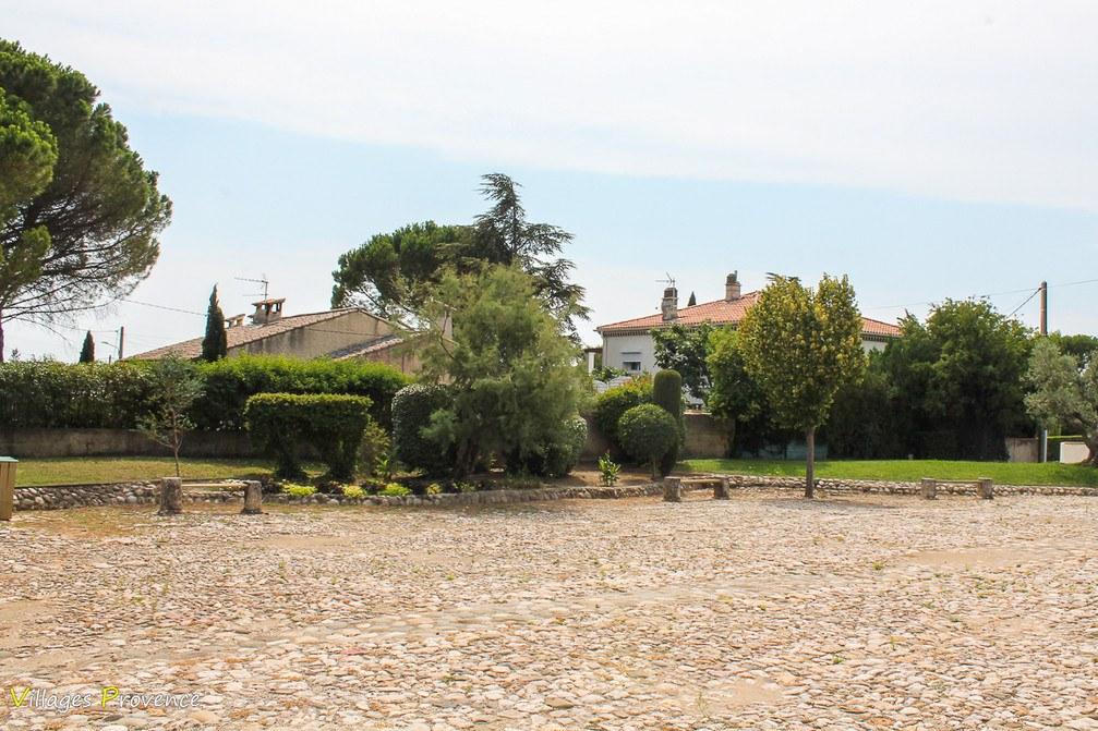 Place - La Fare-les-Oliviers