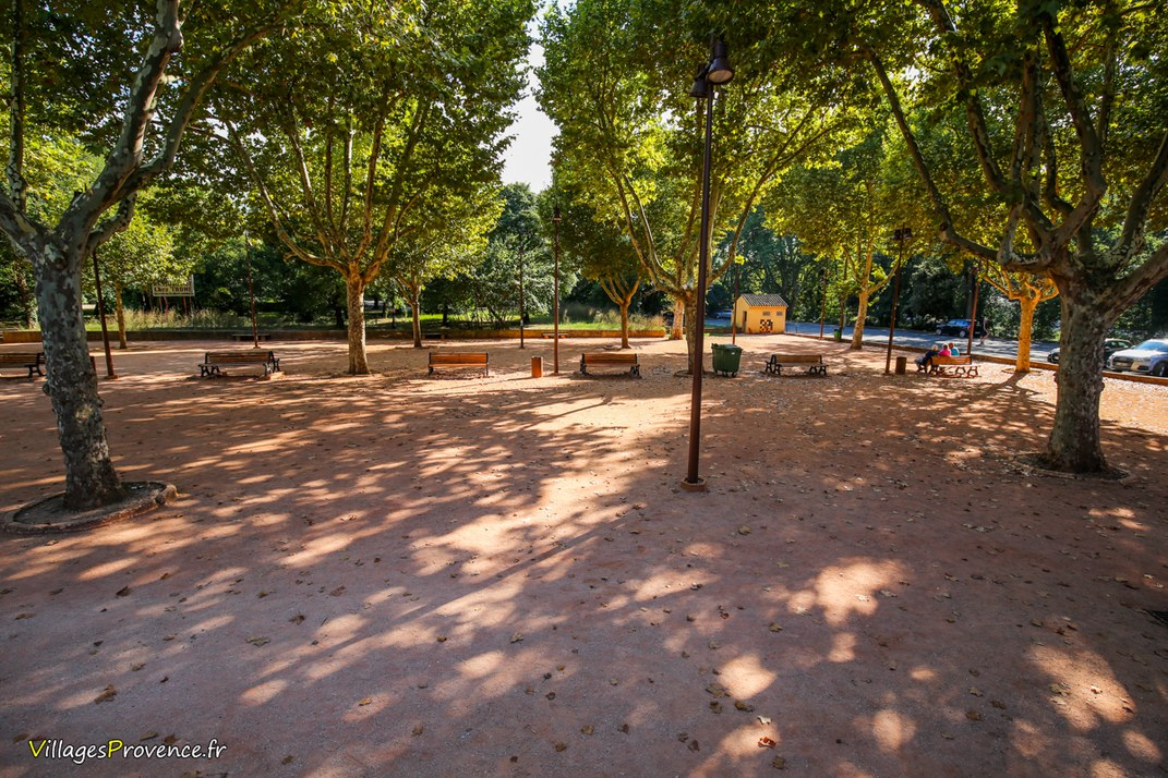 Place - Le Tholonet