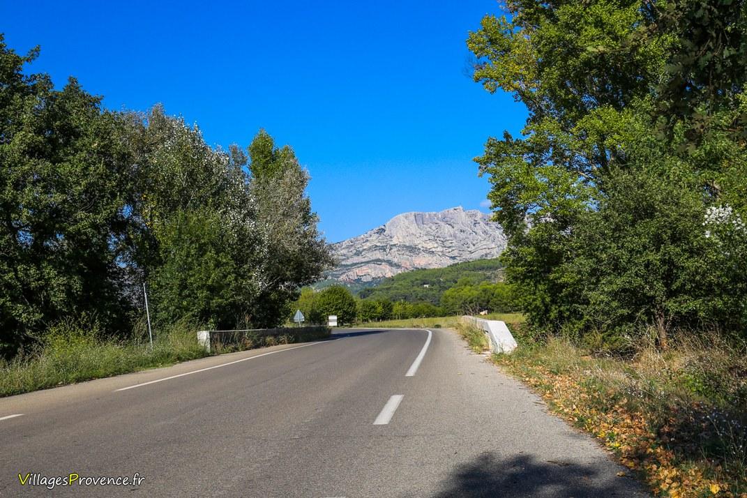 Route - Le Tholonet