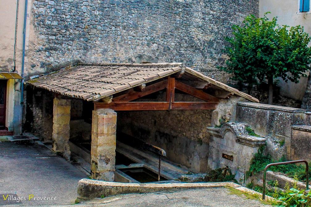 Fontaine Basse - Fontvieille - La Bastide-des-Jourdans