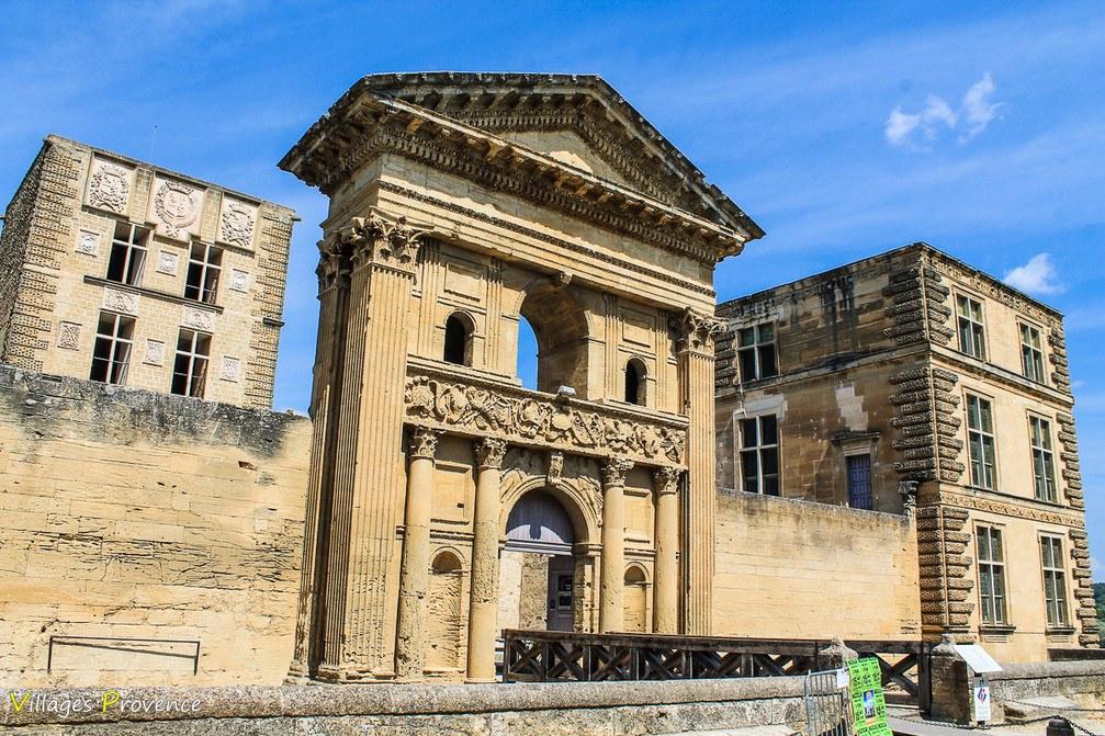 Château de la Tour d'Aigues - La Tour-d'Aigues